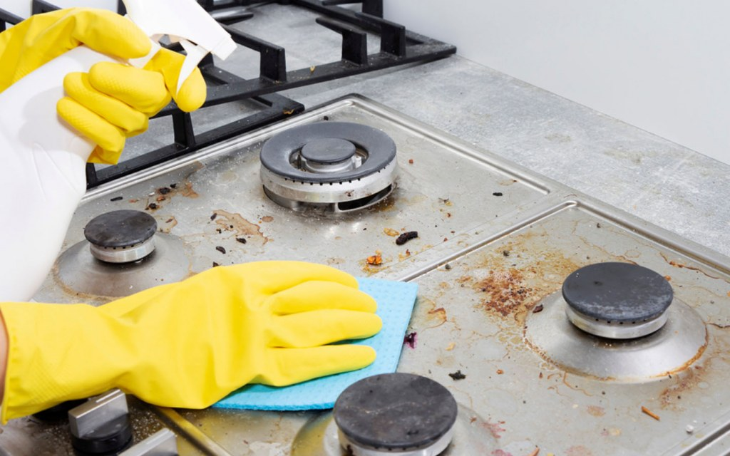 how to clean your kitchen stove top